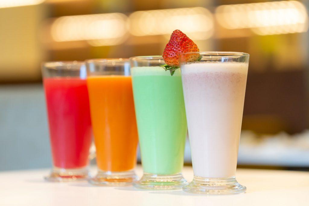 beverage-blurred-background-breakfast-brunch-carrot-carrot-juice-closeup-cocktail-cold-color-cool_t20_8ORN2J
